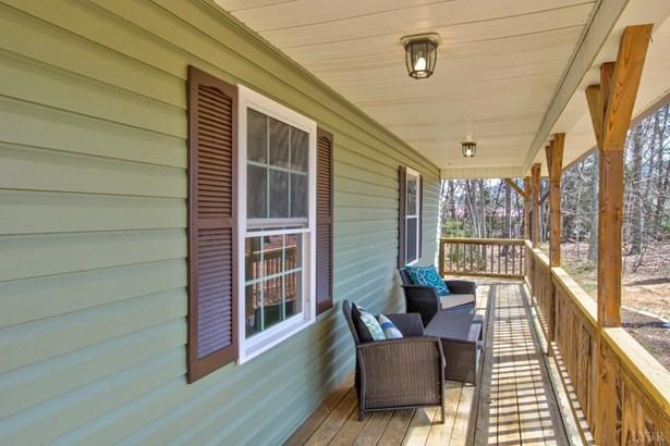 Single Family Residence, Ranch - Huddleston, VA (photo 3)