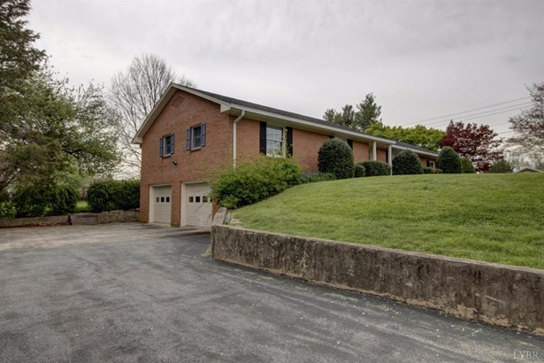 Single Family Residence, Ranch - Bedford, VA (photo 2)