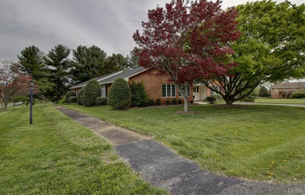 Single Family Residence, Ranch - Bedford, VA (photo 3)