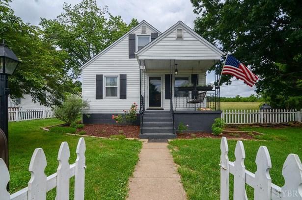 Cape Cod, Single Family Residence - Altavista, VA (photo 1)