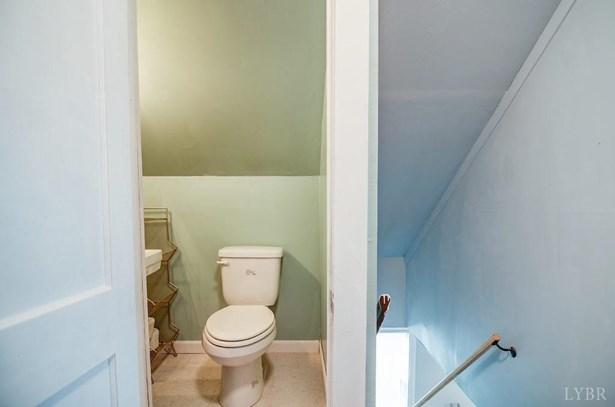Cape Cod, Single Family Residence - Altavista, VA (photo 2)
