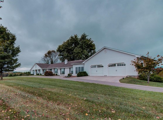 Single Family Residence, Ranch - Bedford, VA (photo 2)