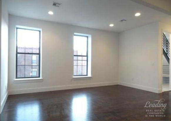 447 Central Avenue 1, Brooklyn, NY - USA (photo 2)