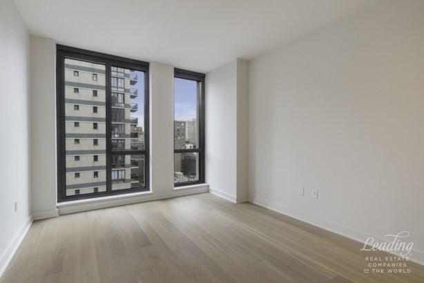 160 East 22nd Street 14b, New York, NY - USA (photo 4)