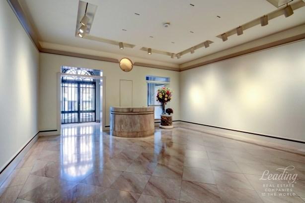 11 East 70th Street Gallery, New York, NY - USA (photo 4)