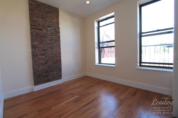 871 Knickerbocker Ave 2b, Brooklyn, NY - USA (photo 1)