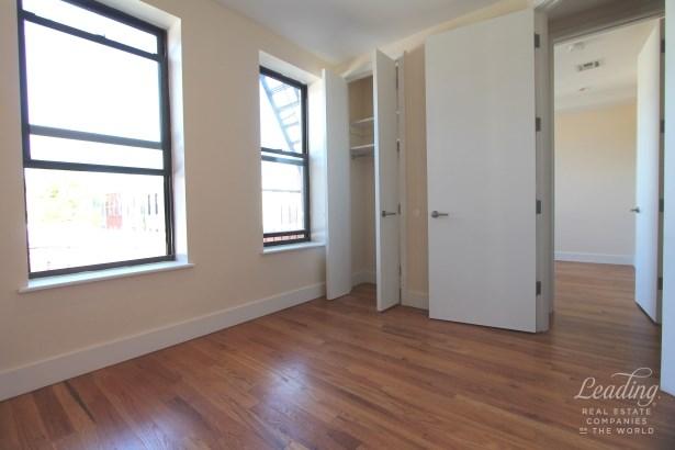 871 Knickerbocker Ave 2b, Brooklyn, NY - USA (photo 4)