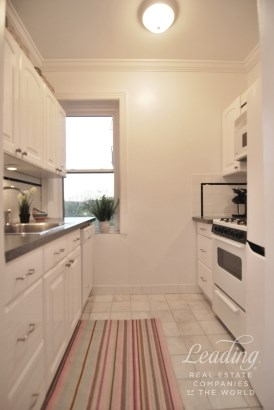 85 -10 34th Ave 510, Queens, NY - USA (photo 3)