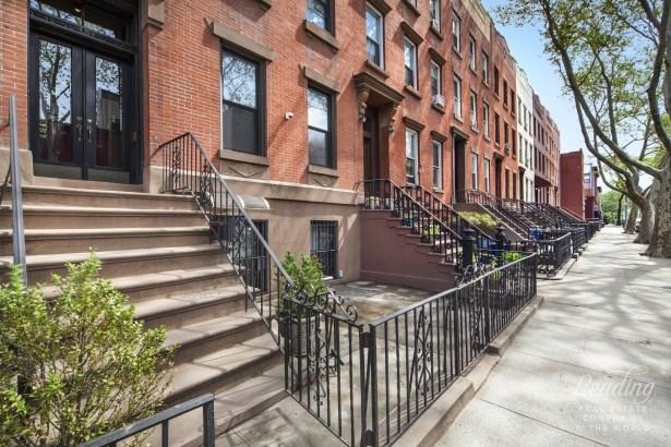 151 Huntington Street, Brooklyn, NY - USA (photo 2)