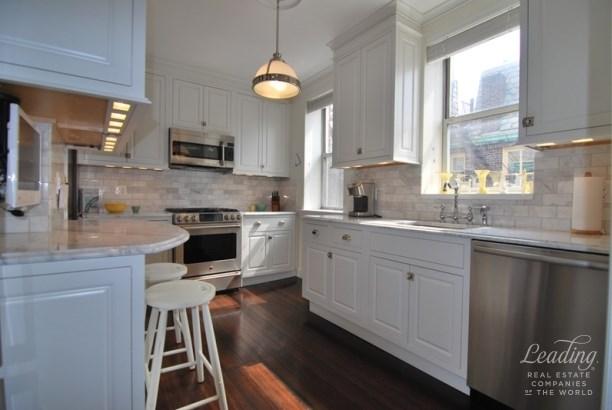 34-13 80th Street, Jackson Heights, NY - USA (photo 3)