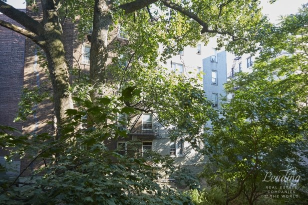 2116 Dorchester Road 3j, Brooklyn, NY - USA (photo 5)