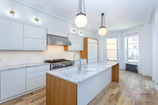 388 Washington Ave 1, Brooklyn, NY - USA (photo 4)