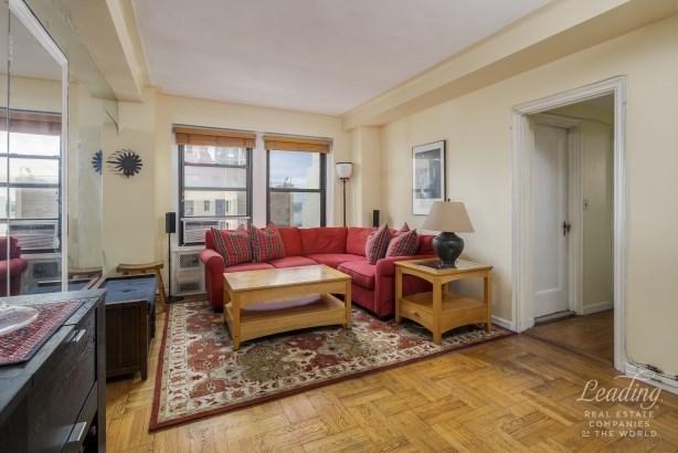 433 West 34th Street 16k, Chelsea, NY - USA (photo 2)