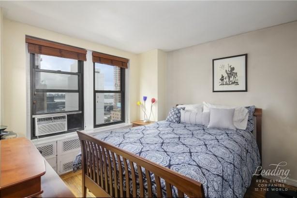 433 West 34th Street 16k, Chelsea, NY - USA (photo 3)