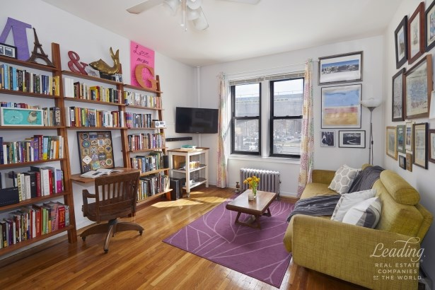 43 -42 45th Street 2n, Queens, NY - USA (photo 1)