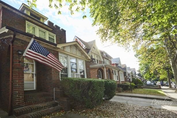 1735 Hendrickson Street, Brooklyn, NY - USA (photo 4)