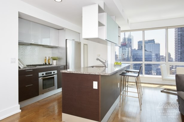 350 West 42nd Street 54g, New York, NY - USA (photo 2)