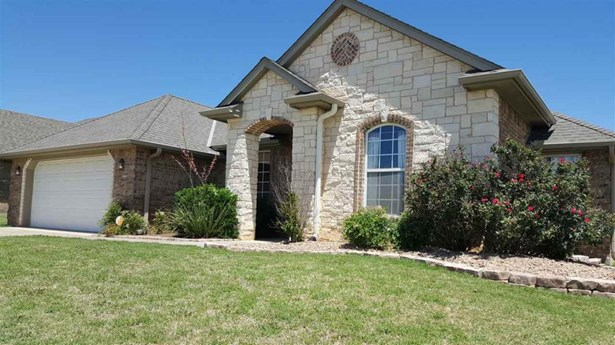 2404 Sw 53rd St, Lawton, OK - USA (photo 1)