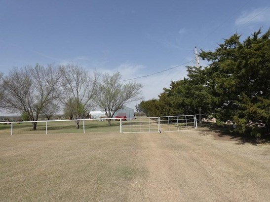 1021 Sw Post Oak Rd, Cache, OK - USA (photo 5)