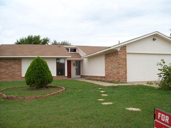 2104 Nw 55th St, Lawton, OK - USA (photo 1)