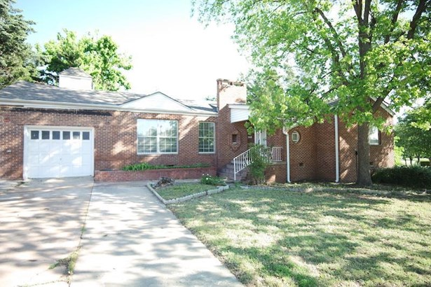 1305 Nw Cherry, Lawton, OK - USA (photo 2)