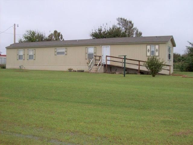 105 Oklahoma St, Geronimo, OK - USA (photo 2)