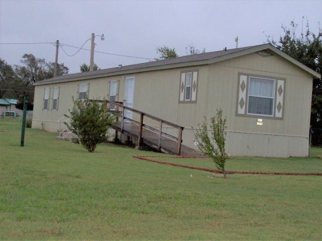 105 Oklahoma St, Geronimo, OK - USA (photo 4)
