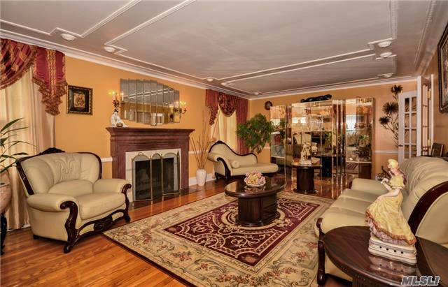 663 W Carl Ave, Baldwin, NY - USA (photo 4)