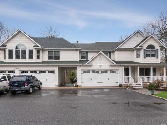 396 Eastport Manor Rd, Manorville, NY - USA (photo 1)