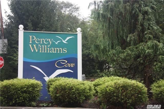 111 Percy Williams Dr, East Islip, NY - USA (photo 2)