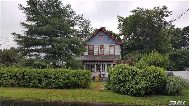 106 Sterling Pl, Amityville, NY - USA (photo 2)