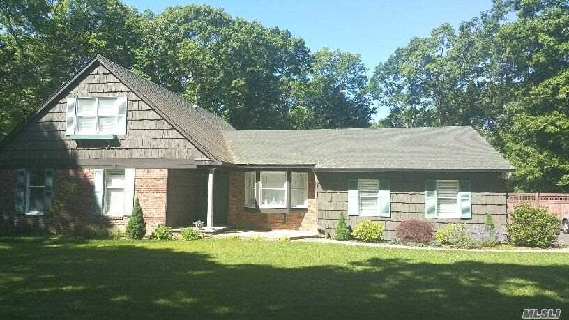 231 Woodhollow Rd, Great River, NY - USA (photo 1)
