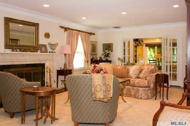 10 Dogwood Ln, Rockville Centre, NY - USA (photo 2)