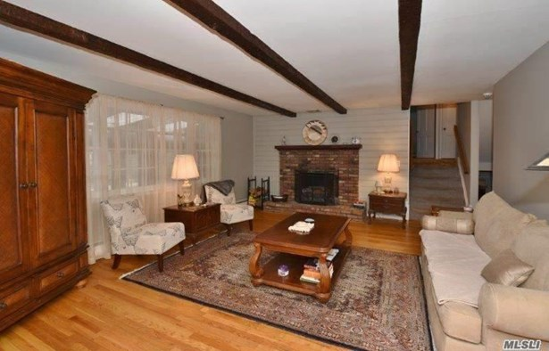 68 Sunken Meadow Rd, Northport, NY - USA (photo 4)