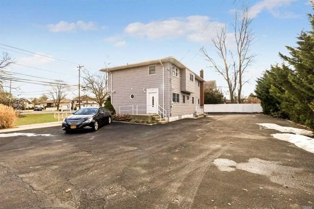 108 Higbie Ln, West Islip, NY - USA (photo 2)