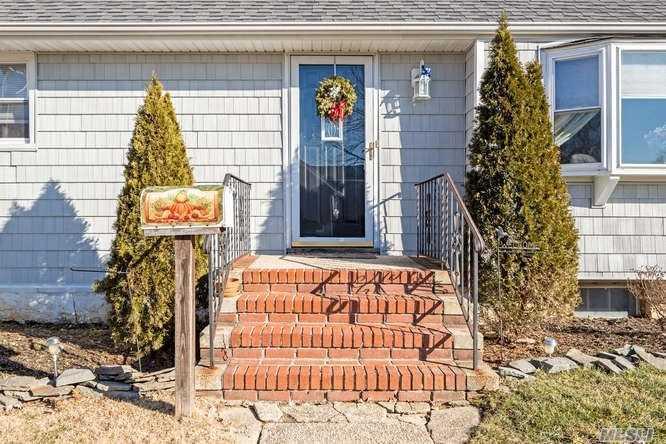 647 Priscilla Pl, Seaford, NY - USA (photo 2)