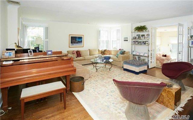 950 Smith Ln, Hewlett Neck, NY - USA (photo 3)