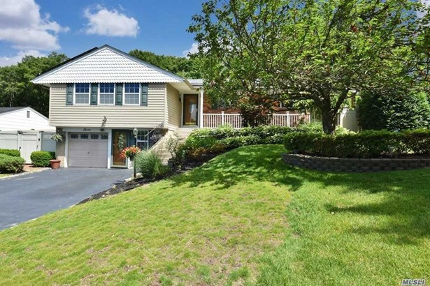 11 Lindron Ave, Smithtown, NY - USA (photo 1)
