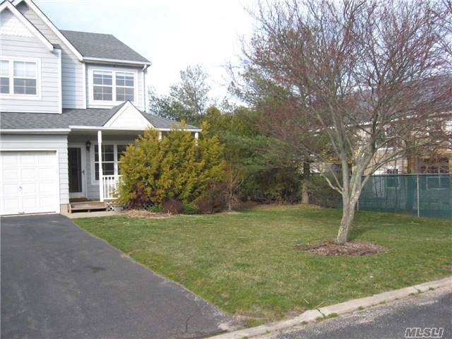 117 Sprucewood Blvd, Central Islip, NY - USA (photo 1)