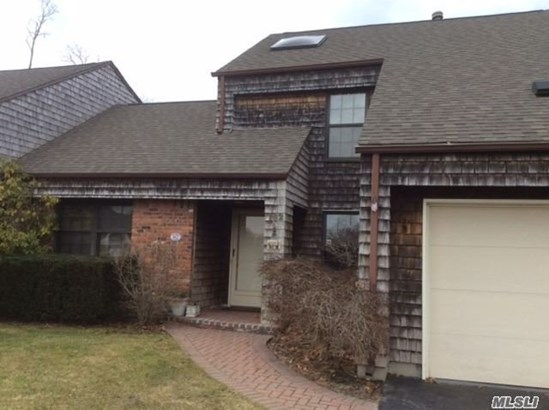 162 Baywoods Ln, Bay Shore, NY - USA (photo 1)