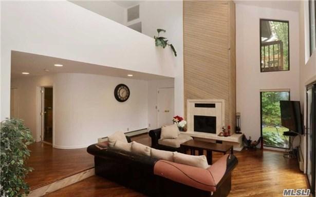240 Beverly Rd, Dix Hills, NY - USA (photo 3)