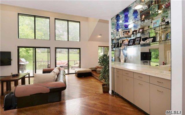 240 Beverly Rd, Dix Hills, NY - USA (photo 4)