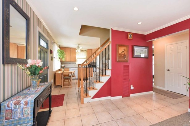70 Oxford St, Roslyn Heights, NY - USA (photo 3)