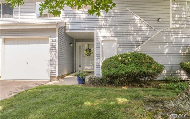 20 Lakeview Dr, Manorville, NY - USA (photo 1)