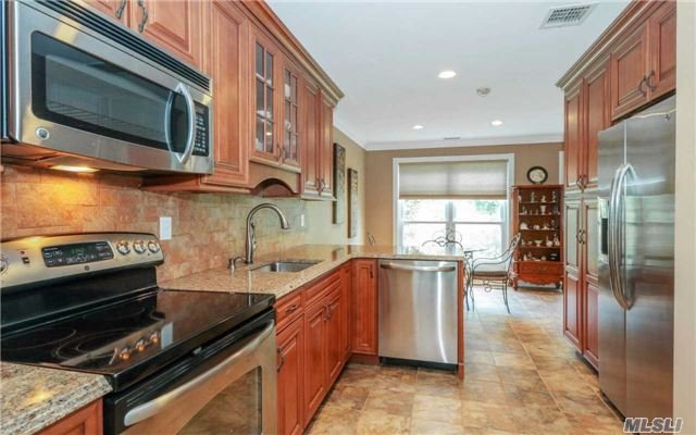 20 Lakeview Dr, Manorville, NY - USA (photo 4)