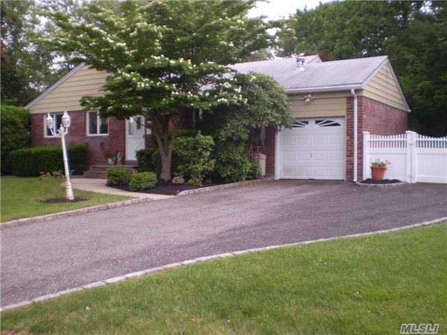 12 West Point Dr, East Northport, NY - USA (photo 2)