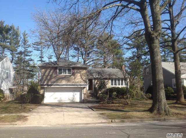 11 East Dr, Garden City, NY - USA (photo 1)