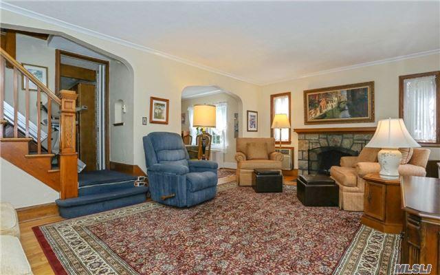 206 Kensington Rd, Lynbrook, NY - USA (photo 5)