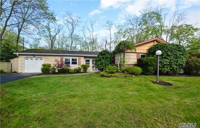 9 Celeste Ct, Babylon, NY - USA (photo 1)