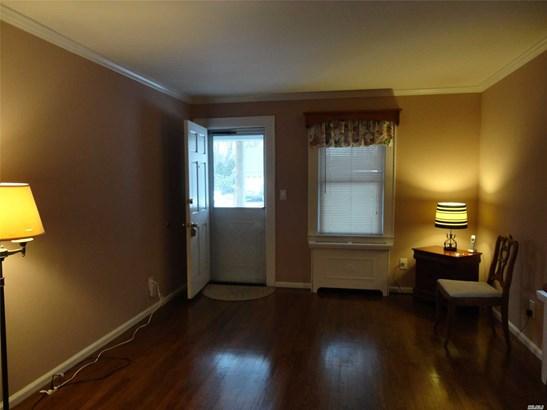 1052 5th Ave, East Northport, NY - USA (photo 2)